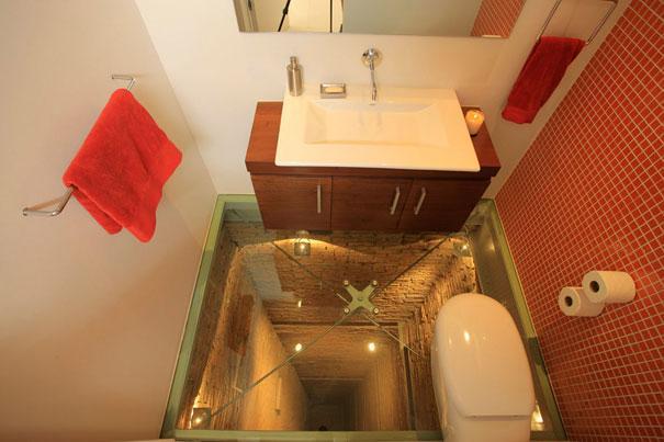bathroom-elevator-shaft-glass-floor-hernandez-silva-1