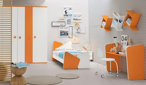 2-Orange-white-bedroom-600x350