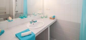 Koupelnu lze zařídit s bezbariérovým přístupem